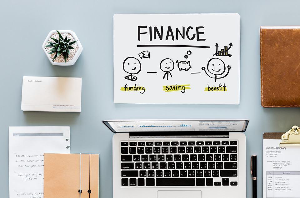 Finanzen: Sind das noch Lebenshaltungskosten oder ist das schon Konsum wie im Rausch?