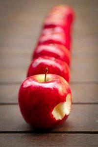 "Heute Apple, morgen Schuldnerberatung – wegen ""nur etwa 500 EUR mehr""?, apple-schuldnerberatung-200x300"