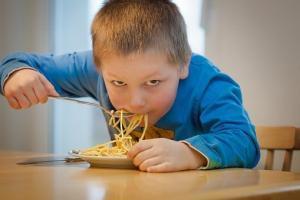 kein bedarf schwache führungskräfte hungrig Spaghetti Kind