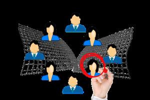 Ein Vorstellungsgespräch erfolgreich meistern, Vorstellungsgespräch-Bewerbungsgespräch-Fragen-Vorbereitung-Ablauf-aus-der-Masse-hervorstechen-300x200