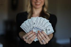 Lohnabrechnung, Entgeltabrechnung, Gehaltsabrechnung, lohnabrechnung-entgeltabrechnung-verdienstbescheinigung-gehaltsabrechnung-300x200