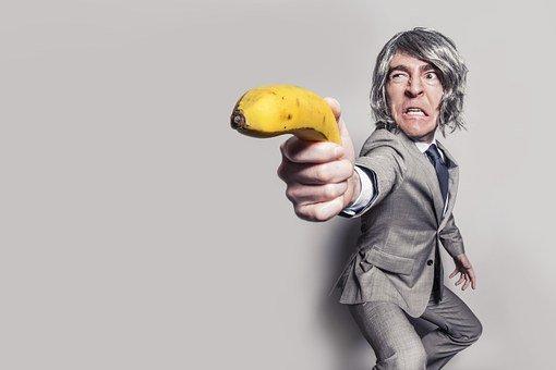 Eine Frau im Vorstellungsgespräch durch Fragen unter Druck setzen und sie zum Wunsch nach einer einer eigenen Familie befragen? Voll Banane!